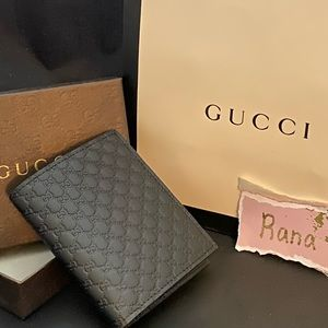 Gucci Men's Microguccissima Bifold wallet